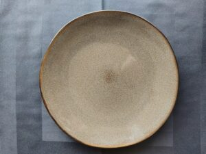 plat bord taupe